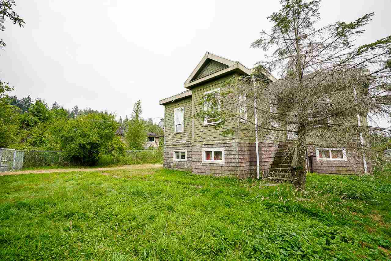 Detached at 12432 OLD YALE ROAD, North Surrey, British Columbia. Image 2