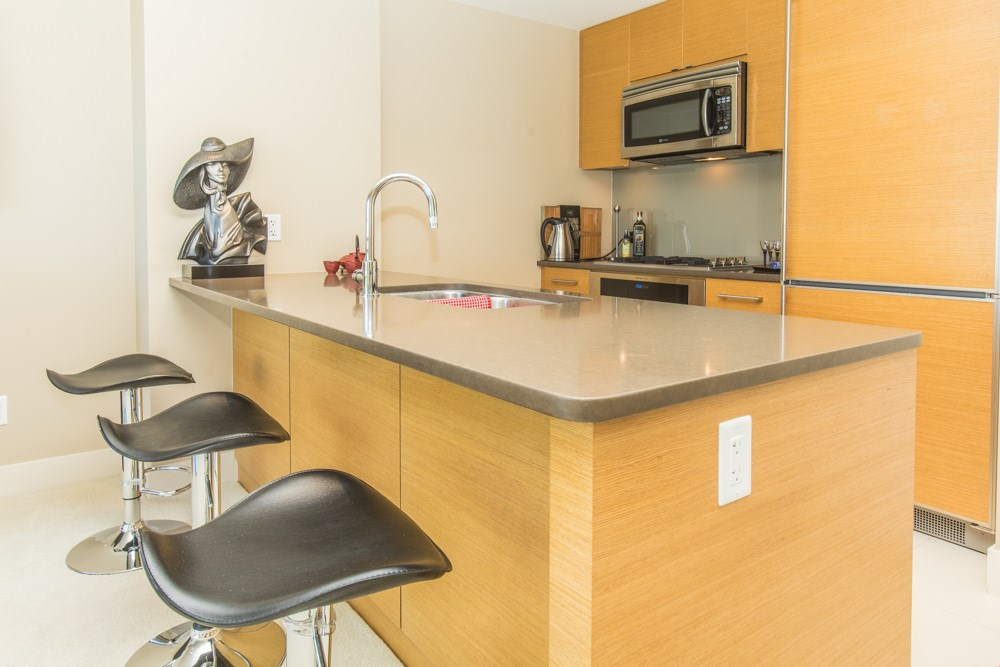 Condo Apartment at 507 1473 JOHNSTON ROAD, Unit 507, South Surrey White Rock, British Columbia. Image 6