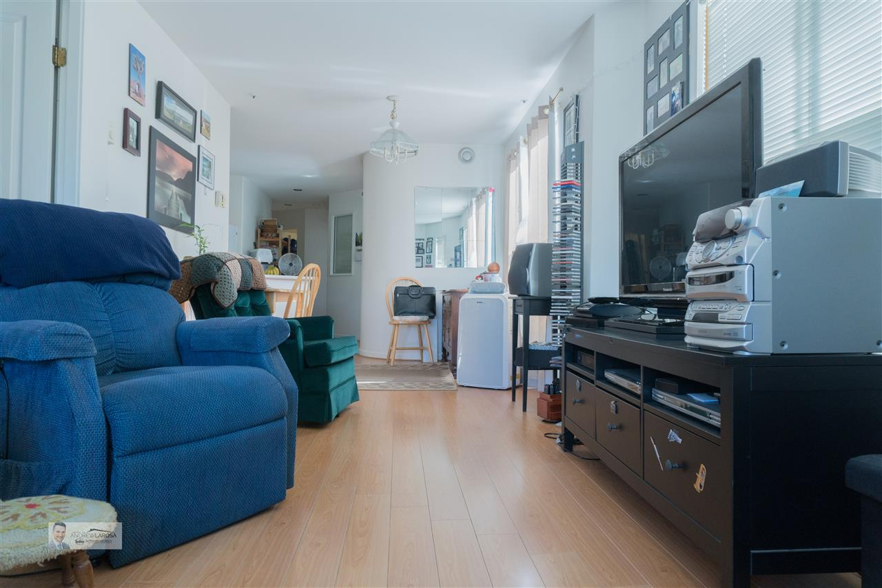Condo Apartment at W313 488 KINGSWAY STREET, Unit W313, Vancouver East, British Columbia. Image 14