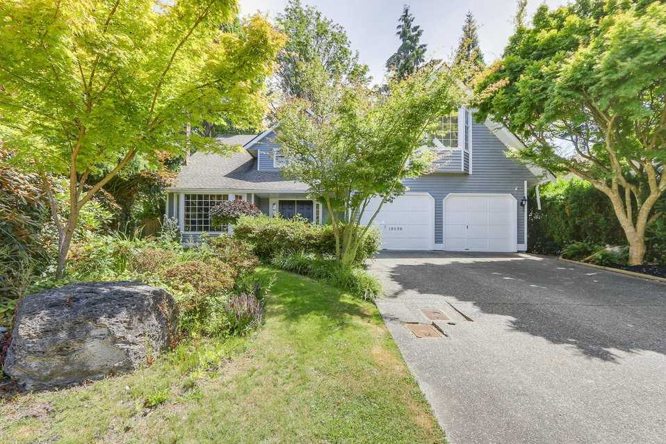 Detached at 13038 SUMMERHILL CRESCENT, South Surrey White Rock, British Columbia. Image 19