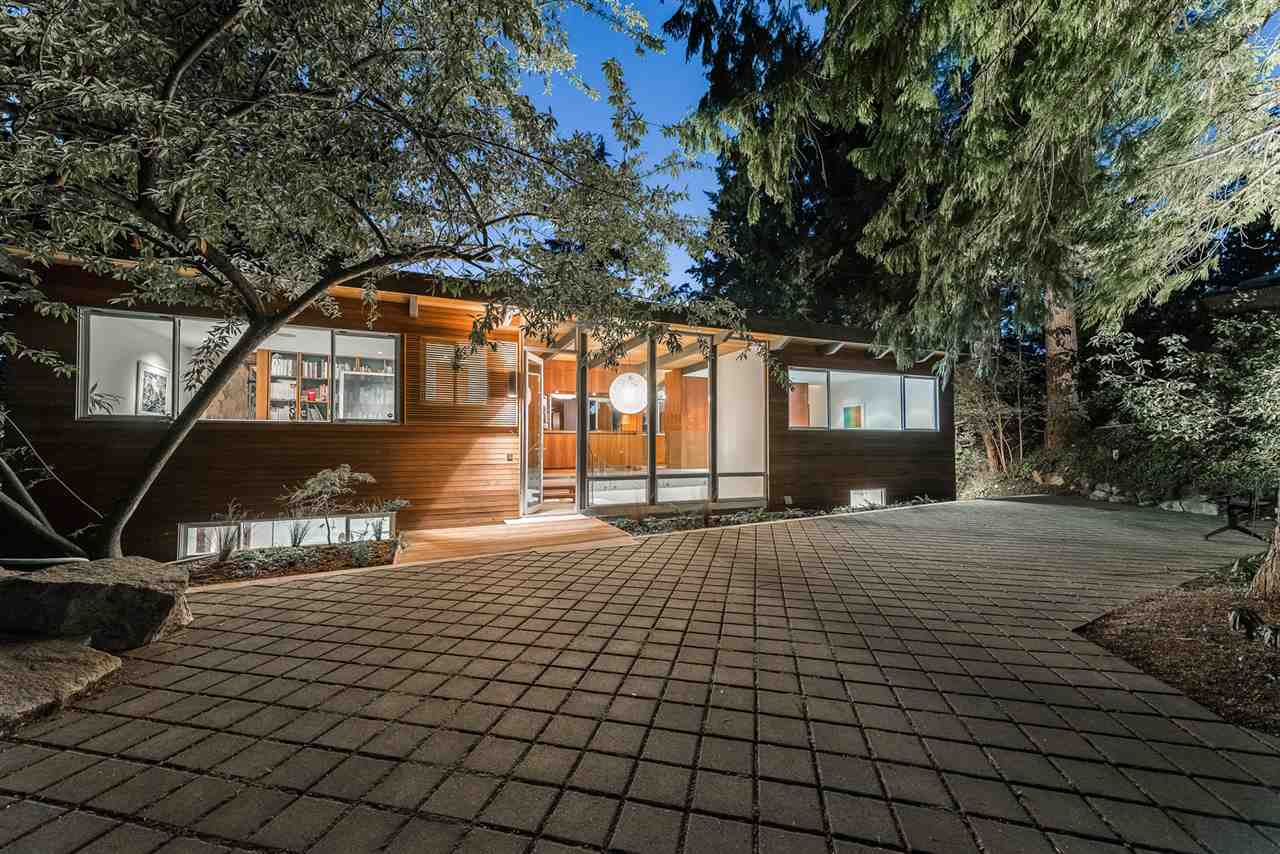 Detached at 6555 MADRONA CRESCENT, West Vancouver, British Columbia. Image 1