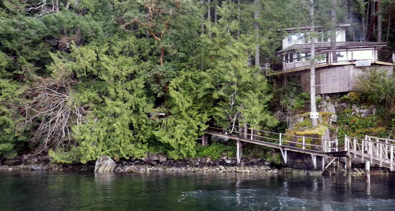 Detached at BLIND BAY, Sunshine Coast, British Columbia. Image 10