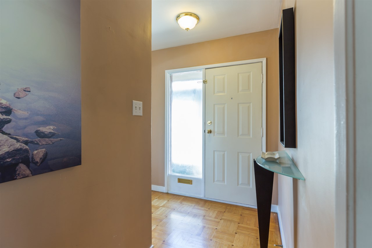 Detached at 116 EIGHTH AVENUE, New Westminster, British Columbia. Image 15