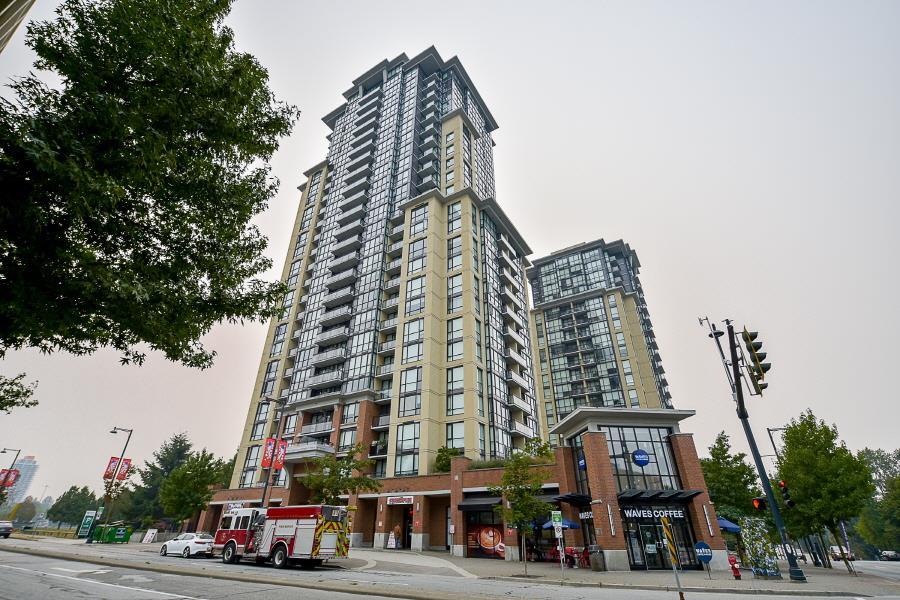 Condo Apartment at 2402 10777 UNIVERSITY DRIVE, Unit 2402, North Surrey, British Columbia. Image 2