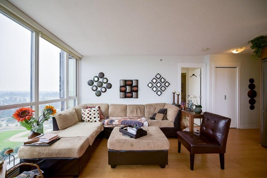 Condo Apartment at 2402 10777 UNIVERSITY DRIVE, Unit 2402, North Surrey, British Columbia. Image 5