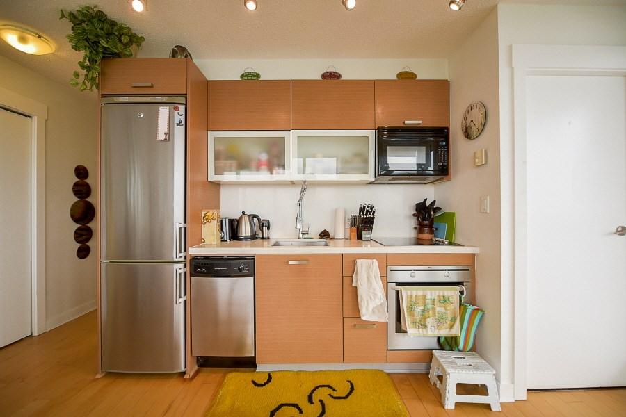 Condo Apartment at 2402 10777 UNIVERSITY DRIVE, Unit 2402, North Surrey, British Columbia. Image 9