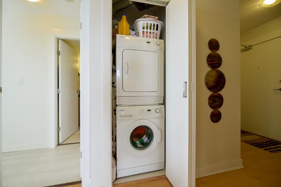 Condo Apartment at 2402 10777 UNIVERSITY DRIVE, Unit 2402, North Surrey, British Columbia. Image 15