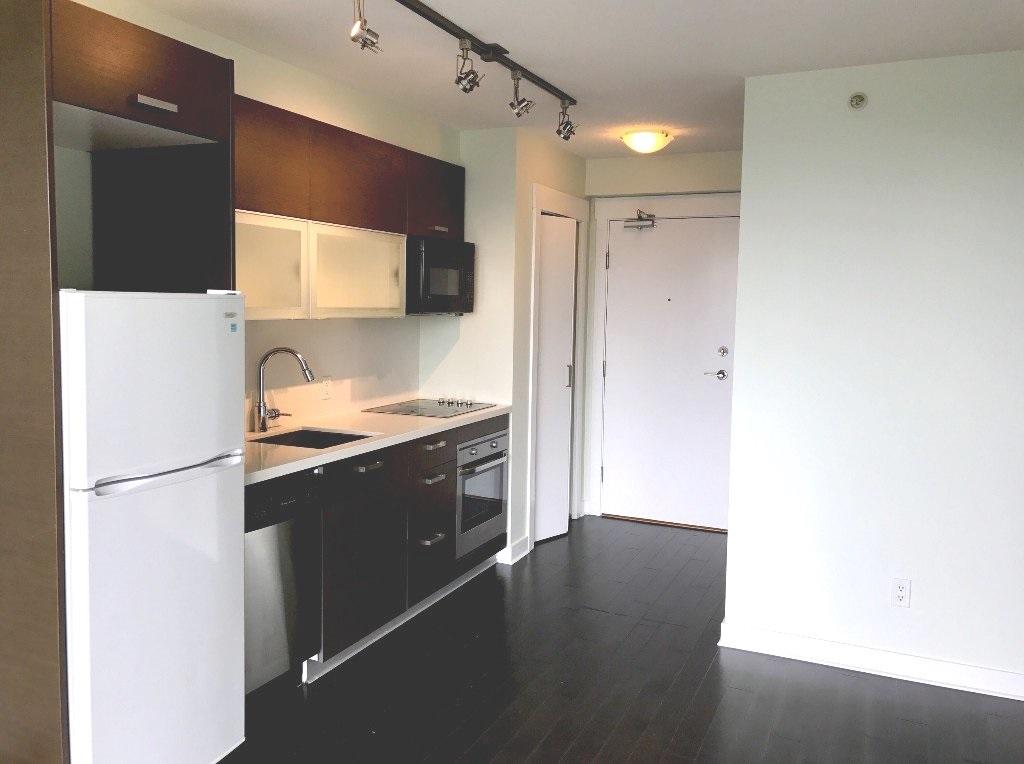 Condo Apartment at 1107 13380 108 AVENUE, Unit 1107, North Surrey, British Columbia. Image 2