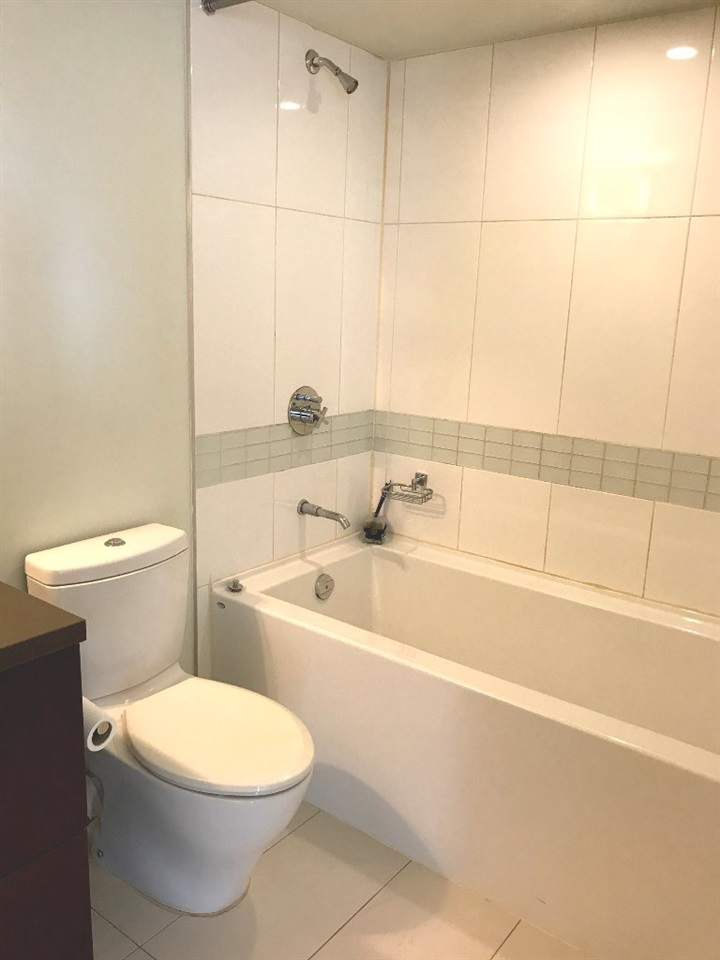 Condo Apartment at 1107 13380 108 AVENUE, Unit 1107, North Surrey, British Columbia. Image 4
