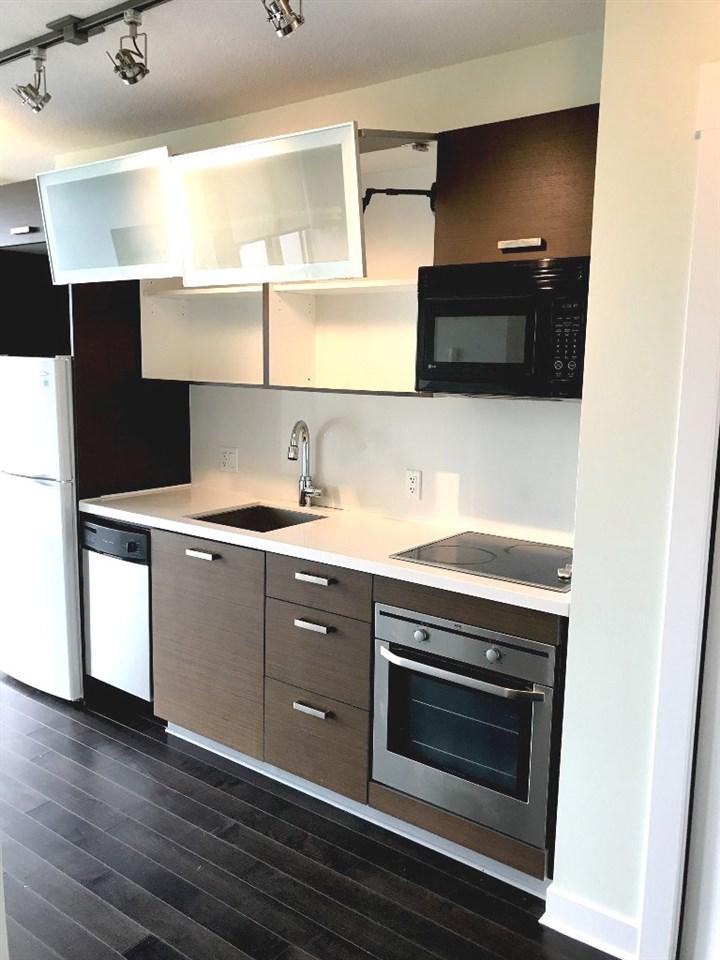 Condo Apartment at 1107 13380 108 AVENUE, Unit 1107, North Surrey, British Columbia. Image 9