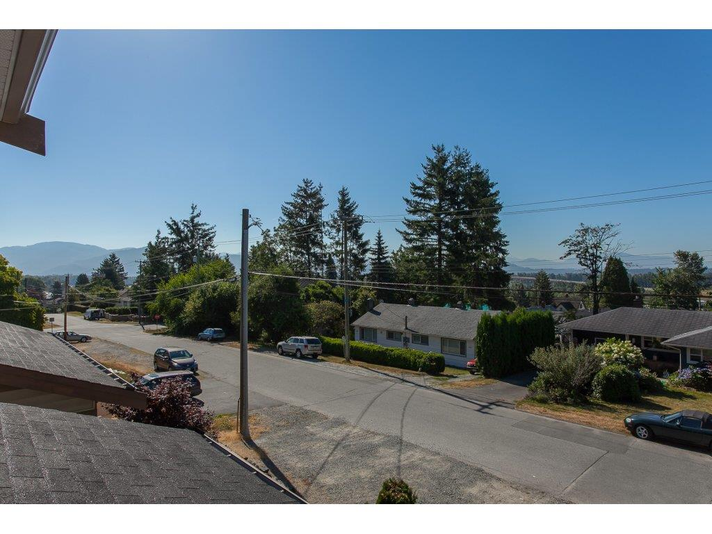 Detached at 32865 2ND AVENUE, Mission, British Columbia. Image 10