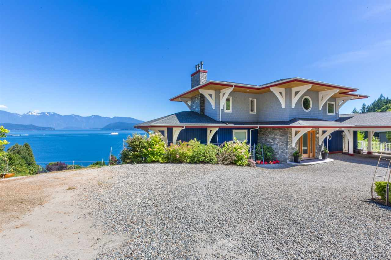 Detached at 1128 TWIN ISLE DRIVE, Sunshine Coast, British Columbia. Image 20