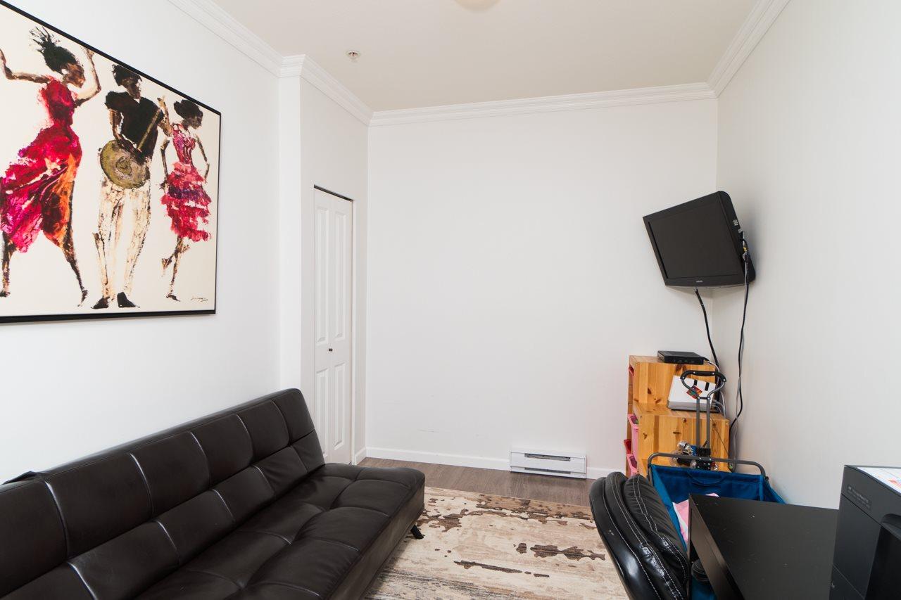 Condo Apartment at 309 15385 101A AVENUE, Unit 309, North Surrey, British Columbia. Image 3