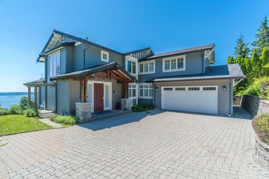 Detached at 2598 CHIPPENDALE ROAD, West Vancouver, British Columbia. Image 1