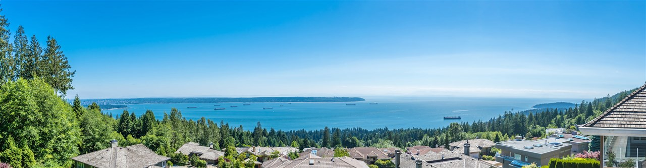Detached at 2598 CHIPPENDALE ROAD, West Vancouver, British Columbia. Image 4