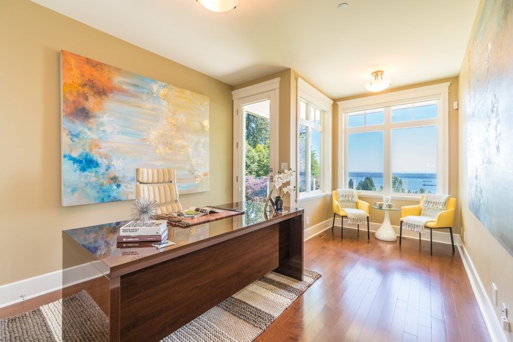 Detached at 2598 CHIPPENDALE ROAD, West Vancouver, British Columbia. Image 7
