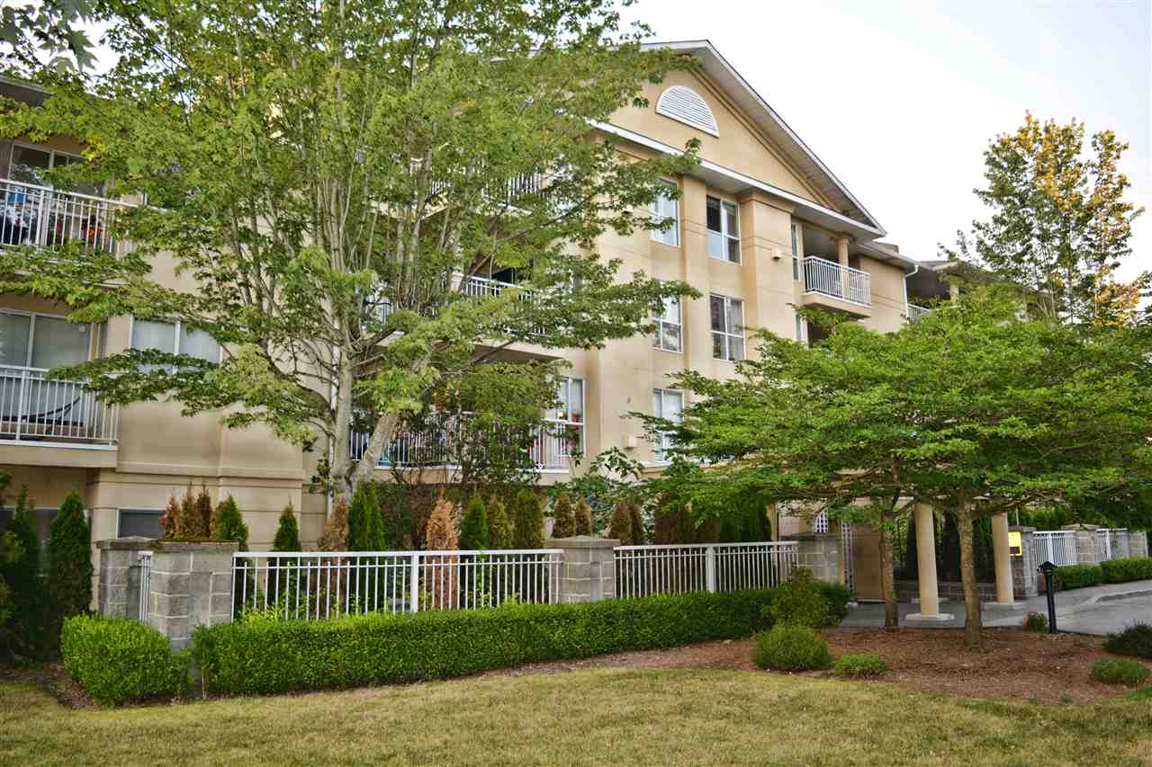 Condo Apartment at 112 13727 74 AVENUE, Unit 112, Surrey, British Columbia. Image 2