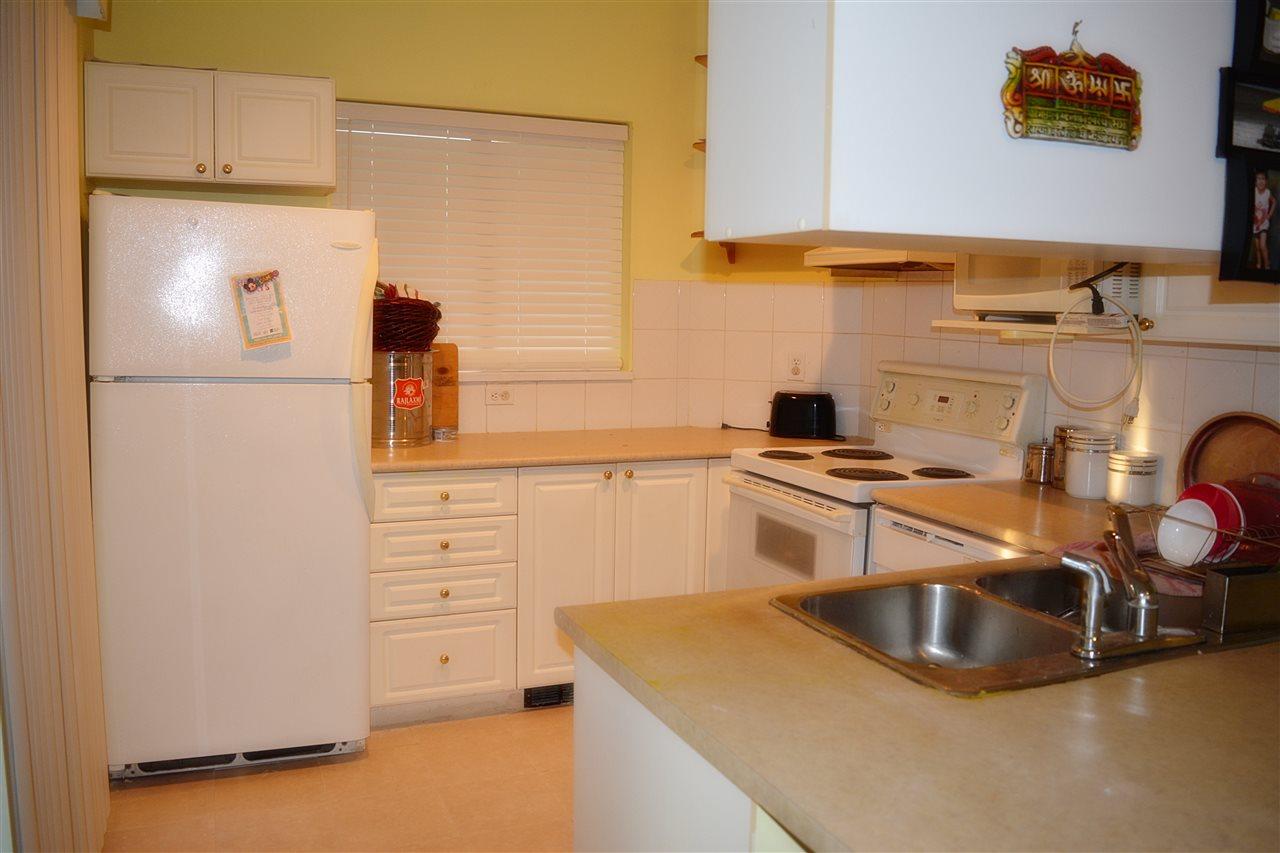 Condo Apartment at 112 13727 74 AVENUE, Unit 112, Surrey, British Columbia. Image 10
