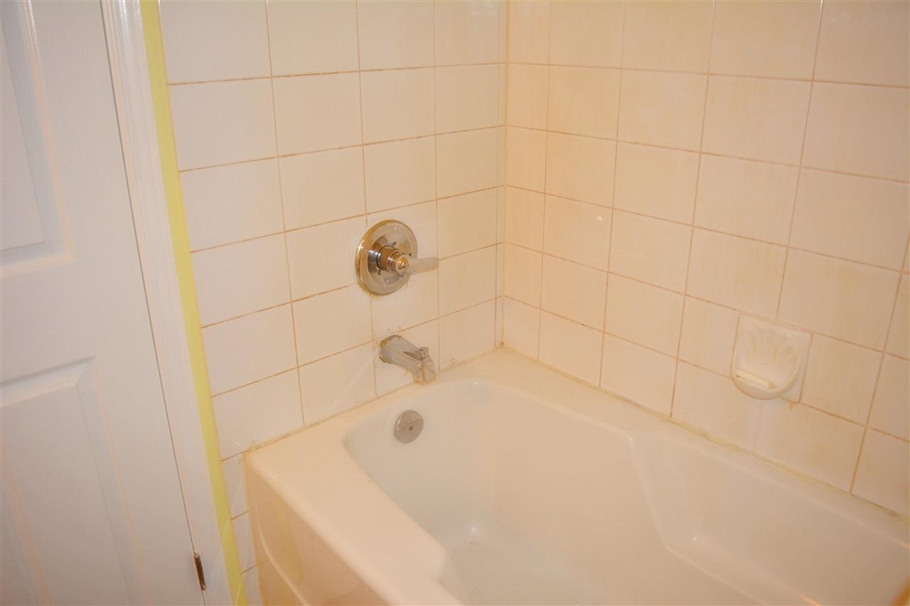 Condo Apartment at 112 13727 74 AVENUE, Unit 112, Surrey, British Columbia. Image 14