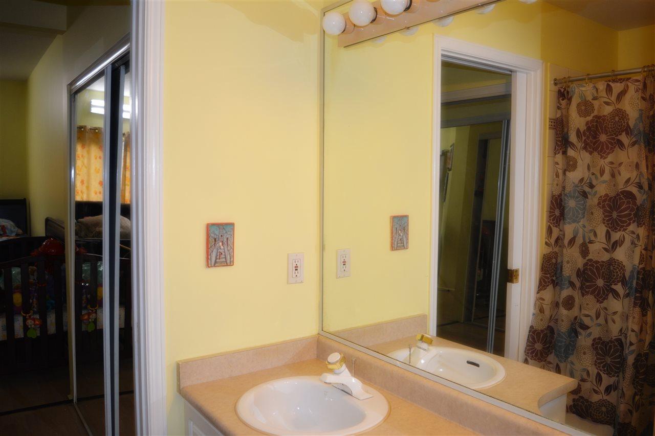 Condo Apartment at 112 13727 74 AVENUE, Unit 112, Surrey, British Columbia. Image 15