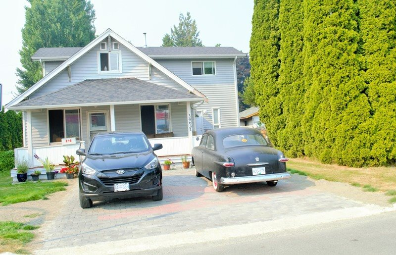 Detached at 34631 1ST AVENUE, Abbotsford, British Columbia. Image 1