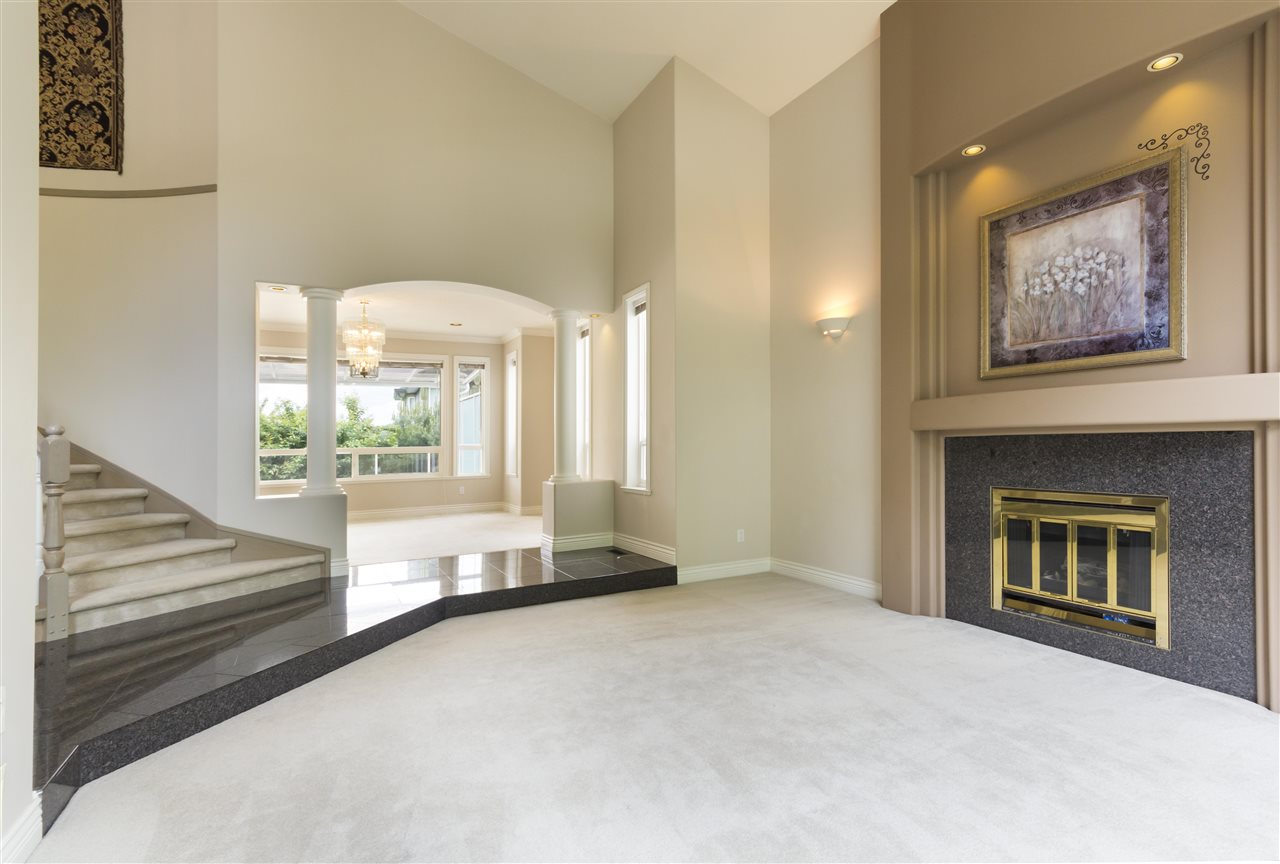 Detached at 211 PARKSIDE DRIVE, Port Moody, British Columbia. Image 2
