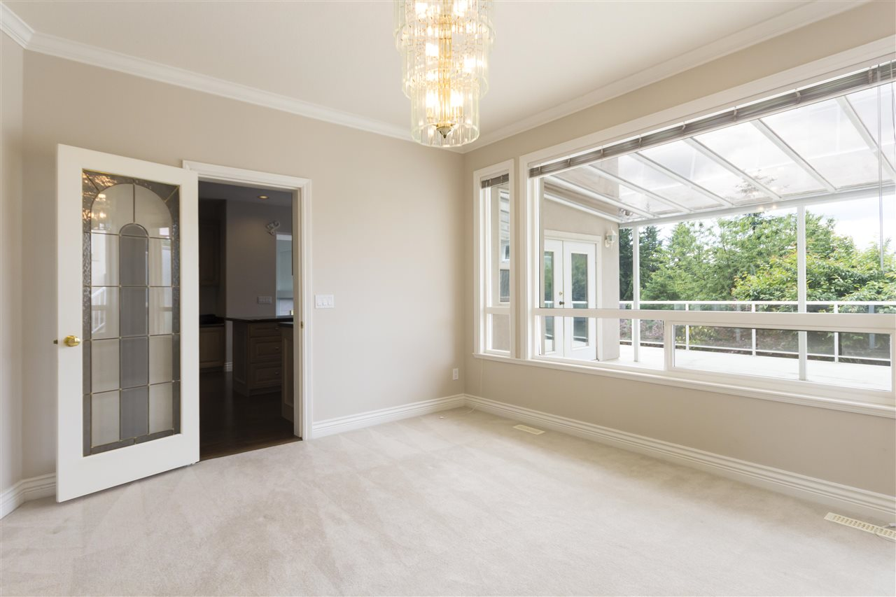 Detached at 211 PARKSIDE DRIVE, Port Moody, British Columbia. Image 4