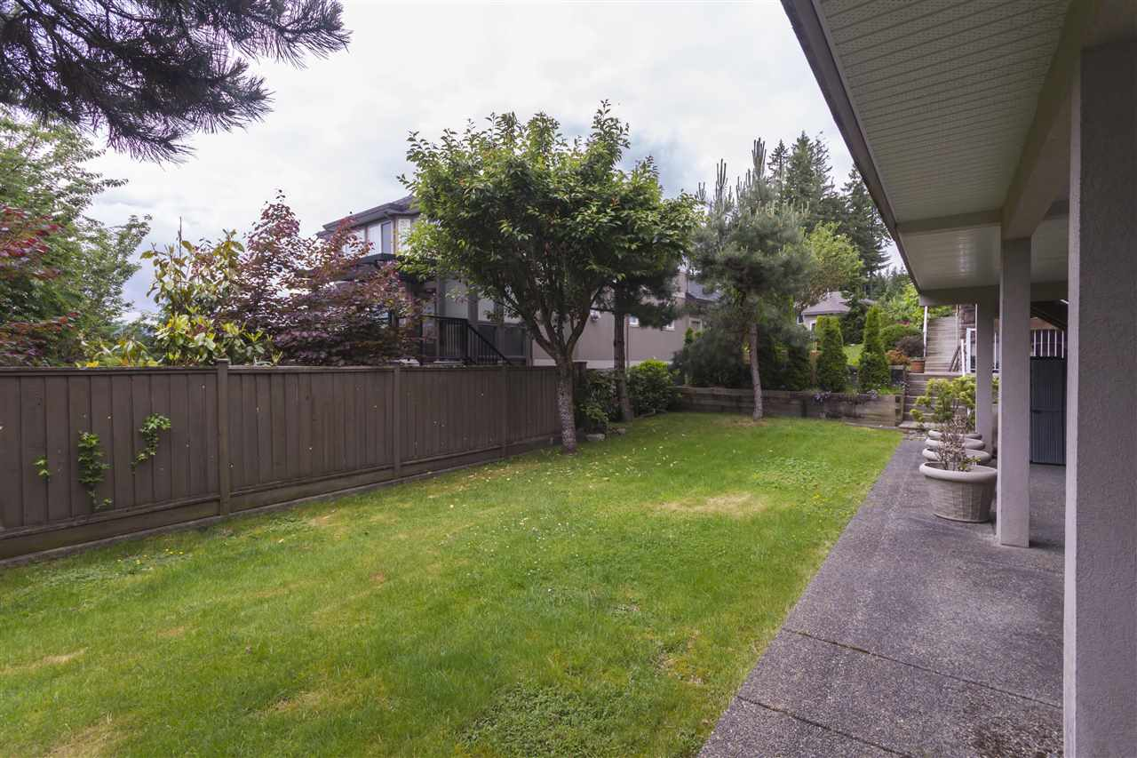 Detached at 211 PARKSIDE DRIVE, Port Moody, British Columbia. Image 18