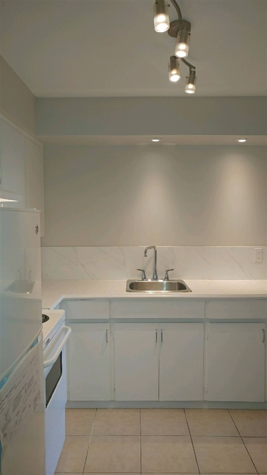 Condo Apartment at 307 611 BLACKFORD STREET, Unit 307, New Westminster, British Columbia. Image 1