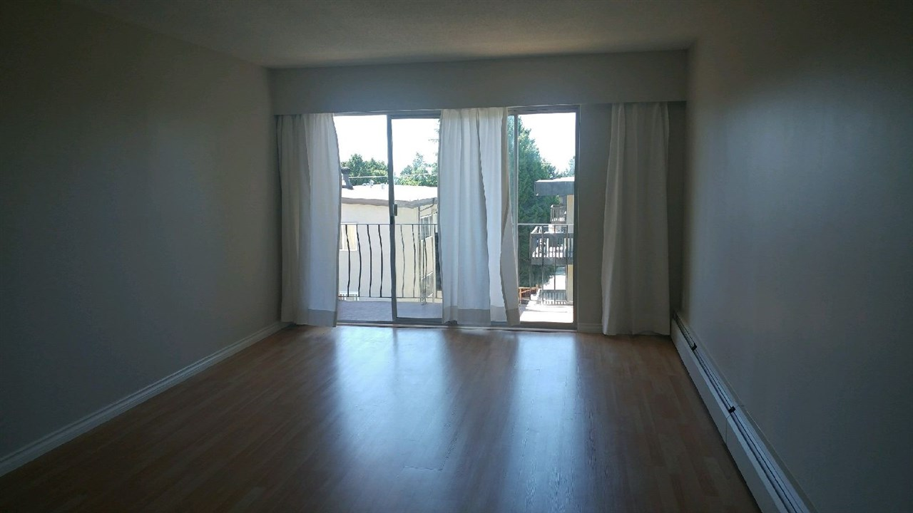 Condo Apartment at 307 611 BLACKFORD STREET, Unit 307, New Westminster, British Columbia. Image 4