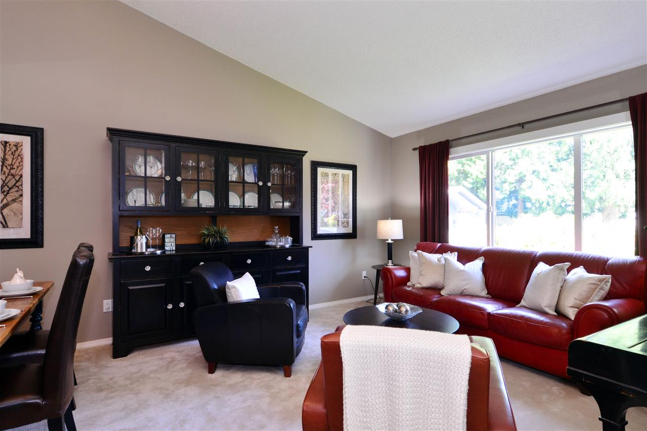 Detached at 2303 COVE PLACE, South Surrey White Rock, British Columbia. Image 3
