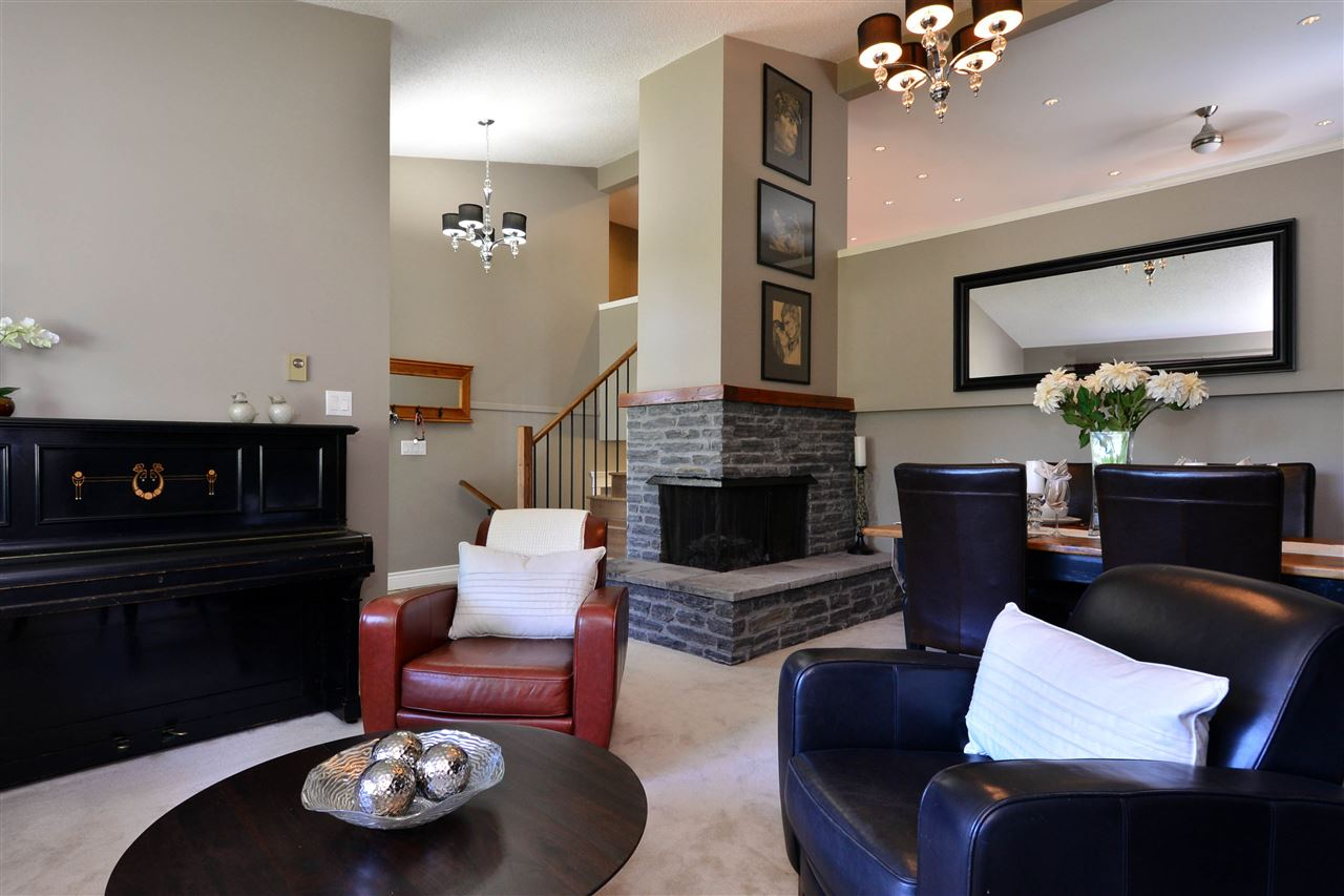 Detached at 2303 COVE PLACE, South Surrey White Rock, British Columbia. Image 4