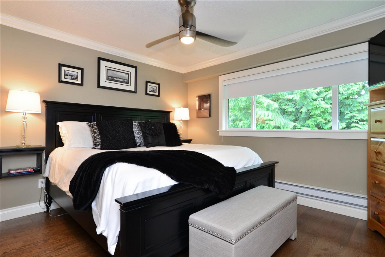 Detached at 2303 COVE PLACE, South Surrey White Rock, British Columbia. Image 11