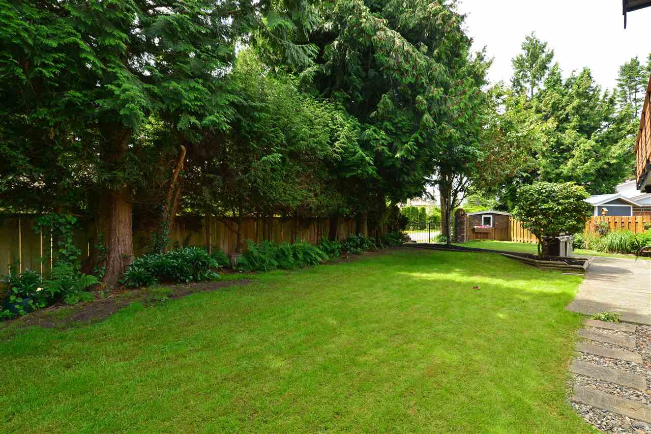 Detached at 2303 COVE PLACE, South Surrey White Rock, British Columbia. Image 16