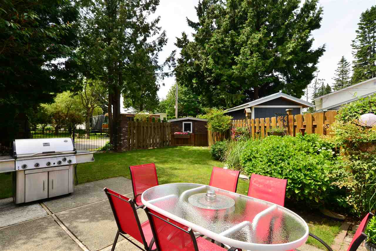 Detached at 2303 COVE PLACE, South Surrey White Rock, British Columbia. Image 18