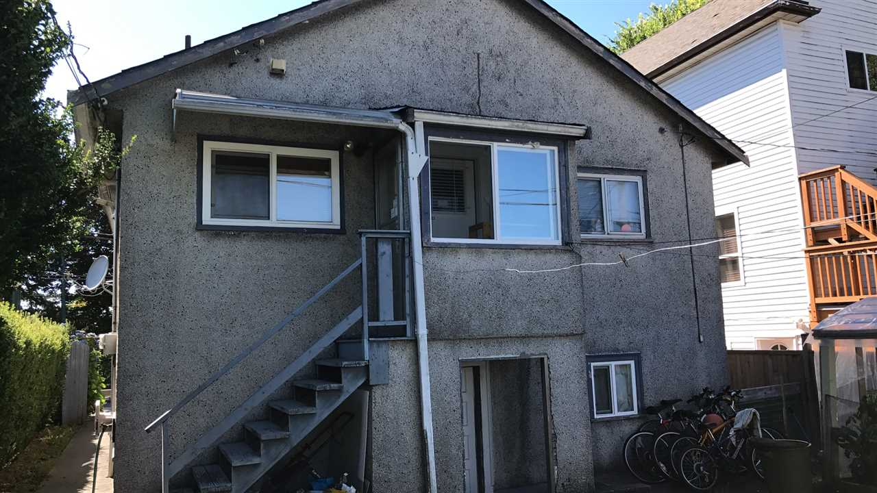Detached at 5216 FRASER STREET, Vancouver East, British Columbia. Image 2