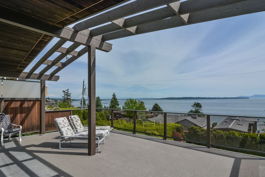 Detached at 14371 SUNSET DRIVE, South Surrey White Rock, British Columbia. Image 7