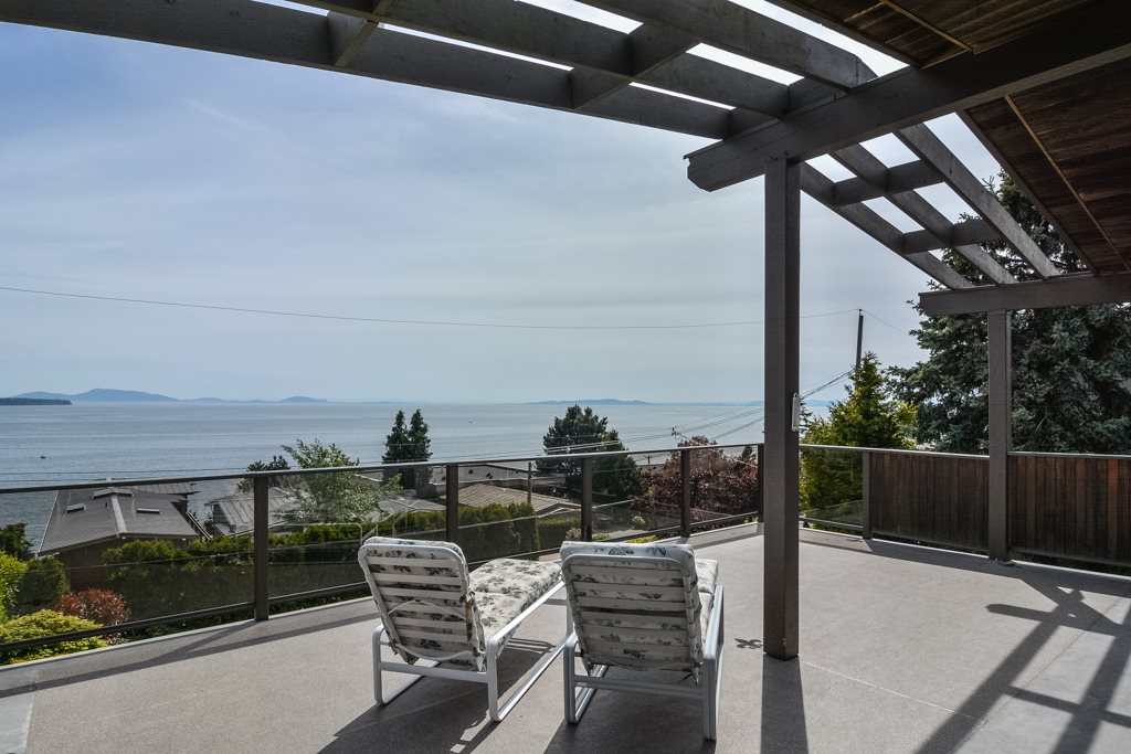 Detached at 14371 SUNSET DRIVE, South Surrey White Rock, British Columbia. Image 8