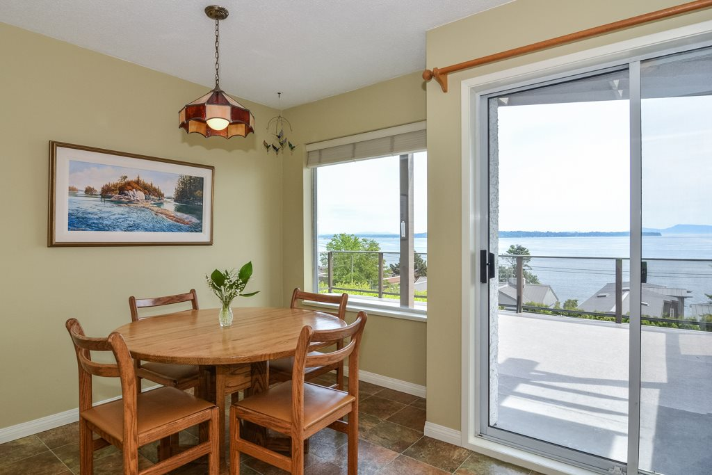 Detached at 14371 SUNSET DRIVE, South Surrey White Rock, British Columbia. Image 17