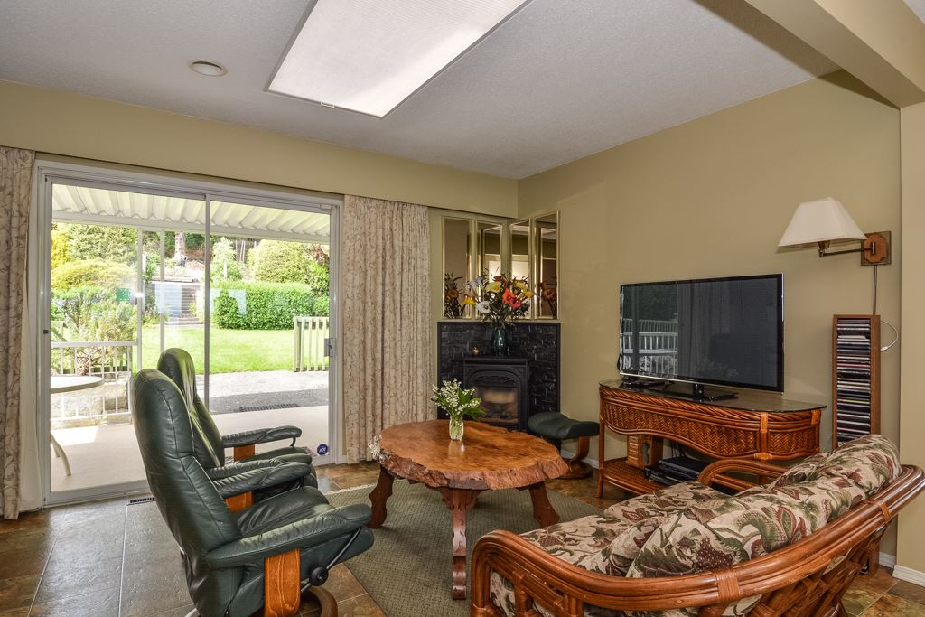 Detached at 14371 SUNSET DRIVE, South Surrey White Rock, British Columbia. Image 20
