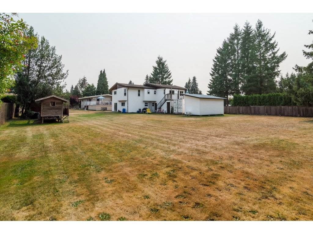 Detached at 5712 246 STREET, Langley, British Columbia. Image 4