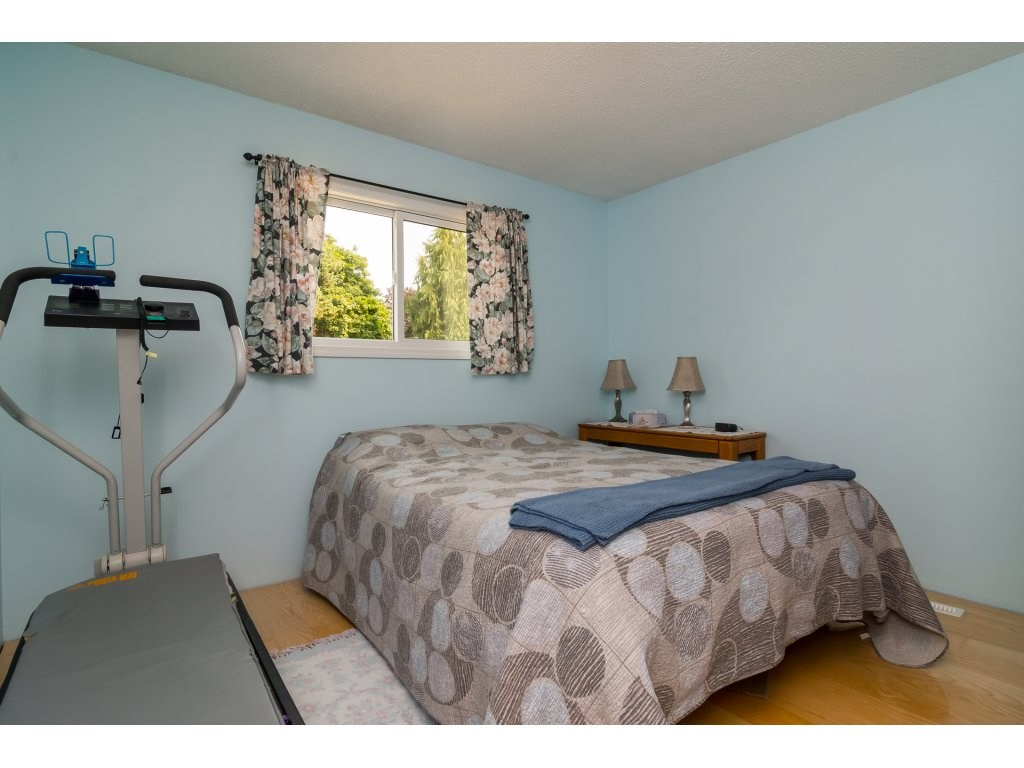 Detached at 5712 246 STREET, Langley, British Columbia. Image 16