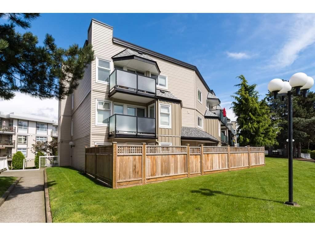 Condo Apartment at 323 1850 SOUTHMERE CRESCENT, Unit 323, South Surrey White Rock, British Columbia. Image 2