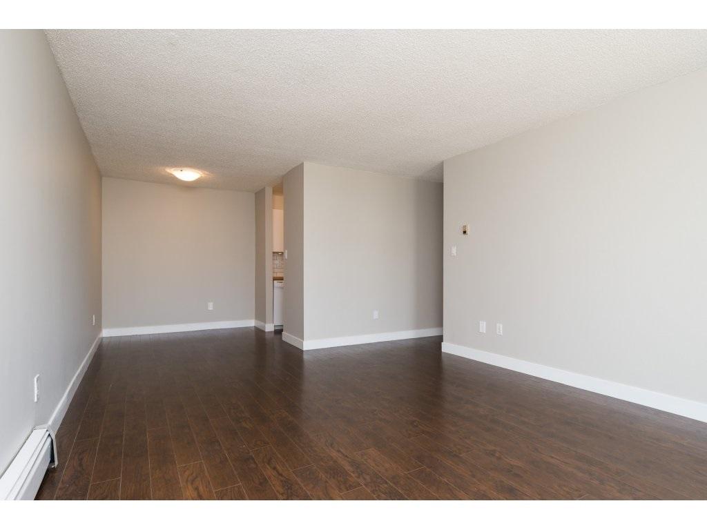 Condo Apartment at 323 1850 SOUTHMERE CRESCENT, Unit 323, South Surrey White Rock, British Columbia. Image 6