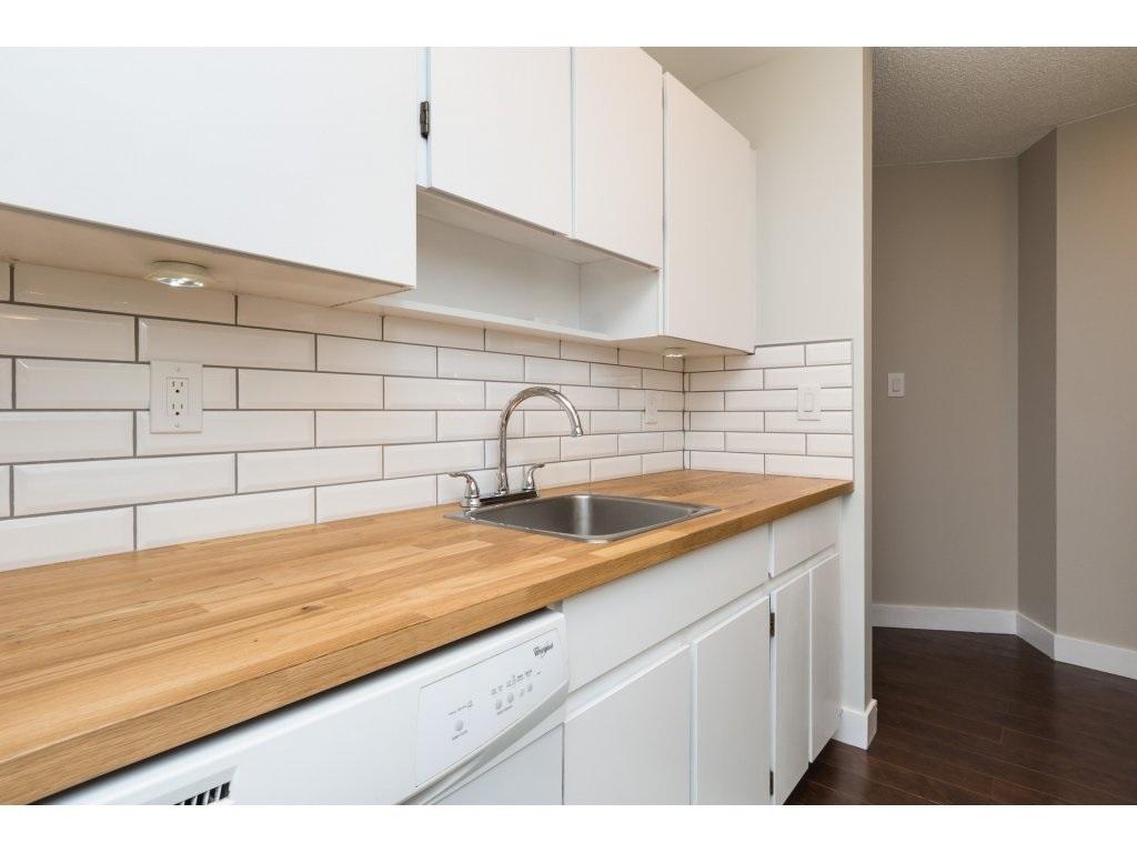 Condo Apartment at 323 1850 SOUTHMERE CRESCENT, Unit 323, South Surrey White Rock, British Columbia. Image 8