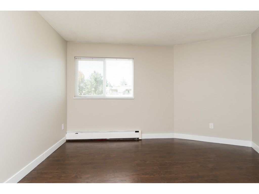 Condo Apartment at 323 1850 SOUTHMERE CRESCENT, Unit 323, South Surrey White Rock, British Columbia. Image 11