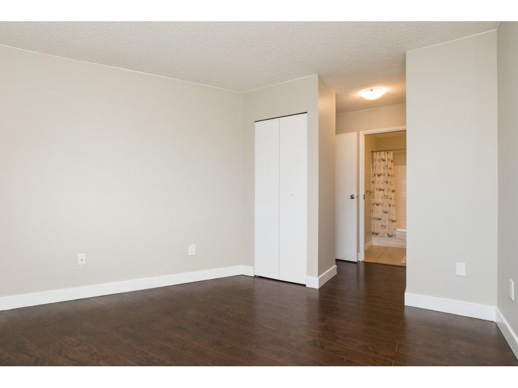Condo Apartment at 323 1850 SOUTHMERE CRESCENT, Unit 323, South Surrey White Rock, British Columbia. Image 12