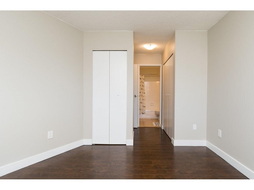 Condo Apartment at 323 1850 SOUTHMERE CRESCENT, Unit 323, South Surrey White Rock, British Columbia. Image 13