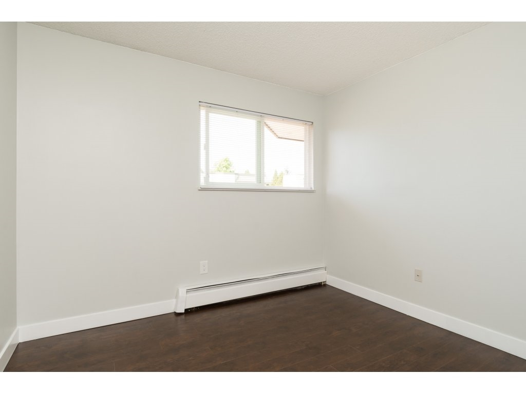 Condo Apartment at 323 1850 SOUTHMERE CRESCENT, Unit 323, South Surrey White Rock, British Columbia. Image 16