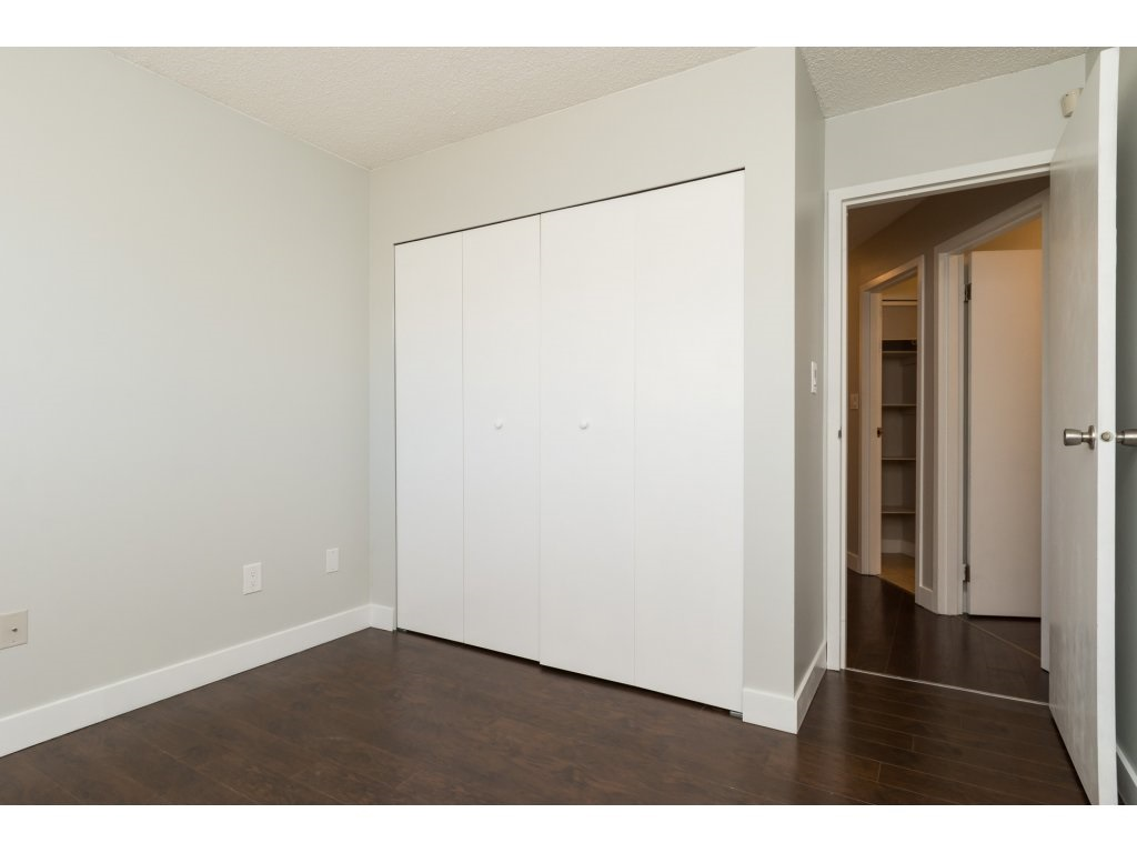 Condo Apartment at 323 1850 SOUTHMERE CRESCENT, Unit 323, South Surrey White Rock, British Columbia. Image 17